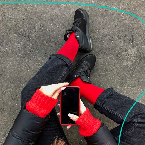 "Collection ""Rib"" High plain red slim socks"
